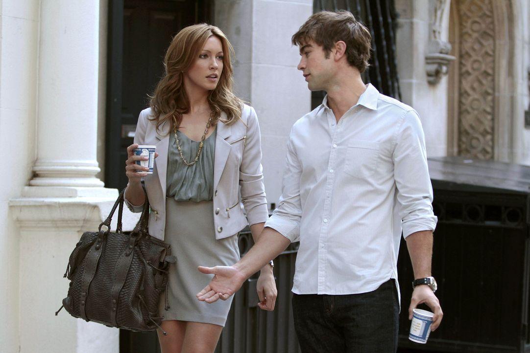 Geben vor ein Paar zu sein: Juliet (Katie Cassidy, l.) und Nate (Chace Crawford, r.) ... - Bildquelle: Warner Brothers