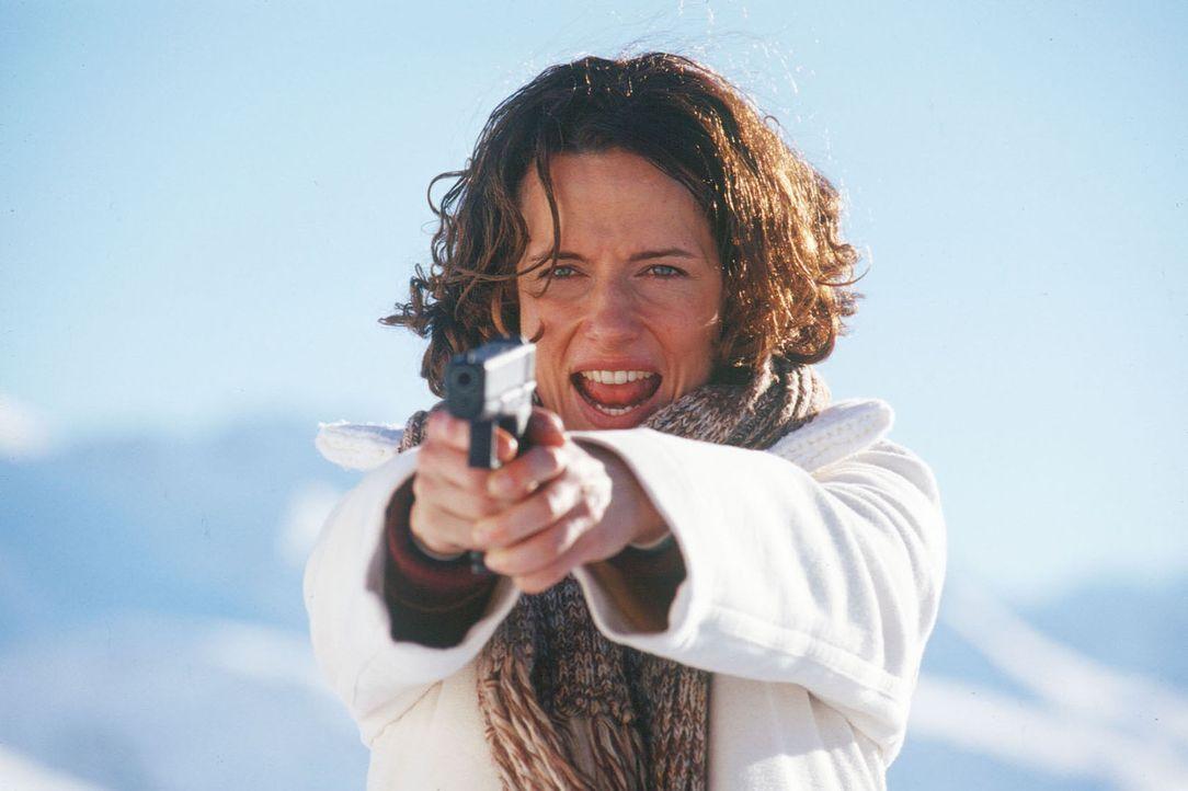Polizistin Leah Sanders (Claudia Michelsen) glaubt, endlich den gesuchten Frauenmörder gefasst zu haben. - Bildquelle: Laemmerer Cinemakers