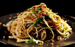Das Rezept für Spaghetti mit Chili, Sardinen und Oregano ist leicht zuzuberei...