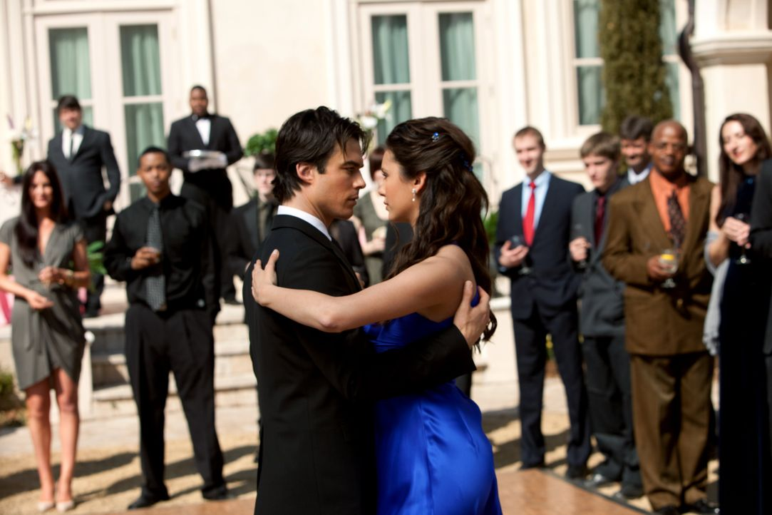 Delena in Staffel 1 - Bildquelle: Warner Bros. Entertainment Inc.