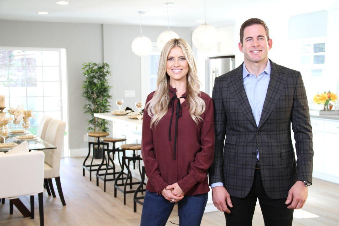 Das Makler-Ehepaar Christina (l.) und Tarek (r.) El Moussa hoffen mit ihrem heutigen Projekt auf ein Millionengeschäft. Das Haus liegt in einer beli... - Bildquelle: 2016,HGTV/Scripps Networks, LLC. All Rights Reserved