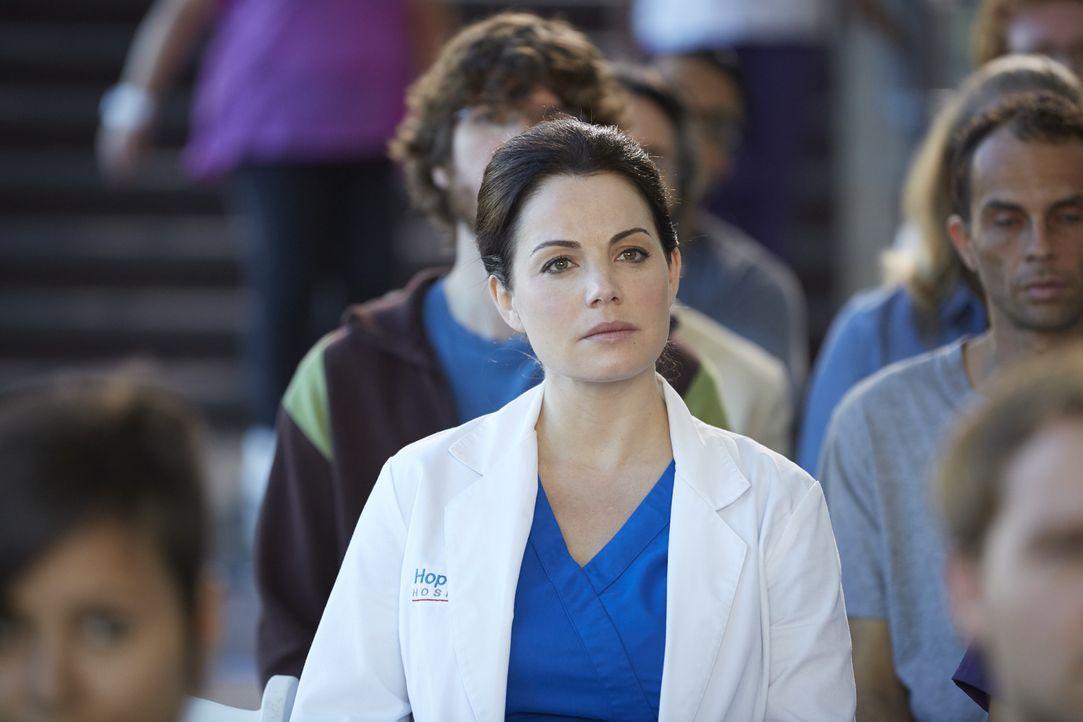 Wird Alex (Erica Durance) sich dem Neurochirurgen Dr. Thor MacLeod öffnen und ihm von ihrer Nahtoderfahrung erzählen? - Bildquelle: Ken Woroner 2014 Hope Zee Three Inc.