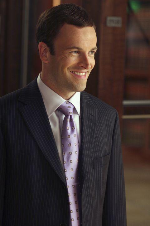 Die Zeit wird knapp, als sich Eli (Jonny Lee Miller) doch noch entschließt, den ungewöhnlichen Fall zu übernehmen ... - Bildquelle: Disney - ABC International Television
