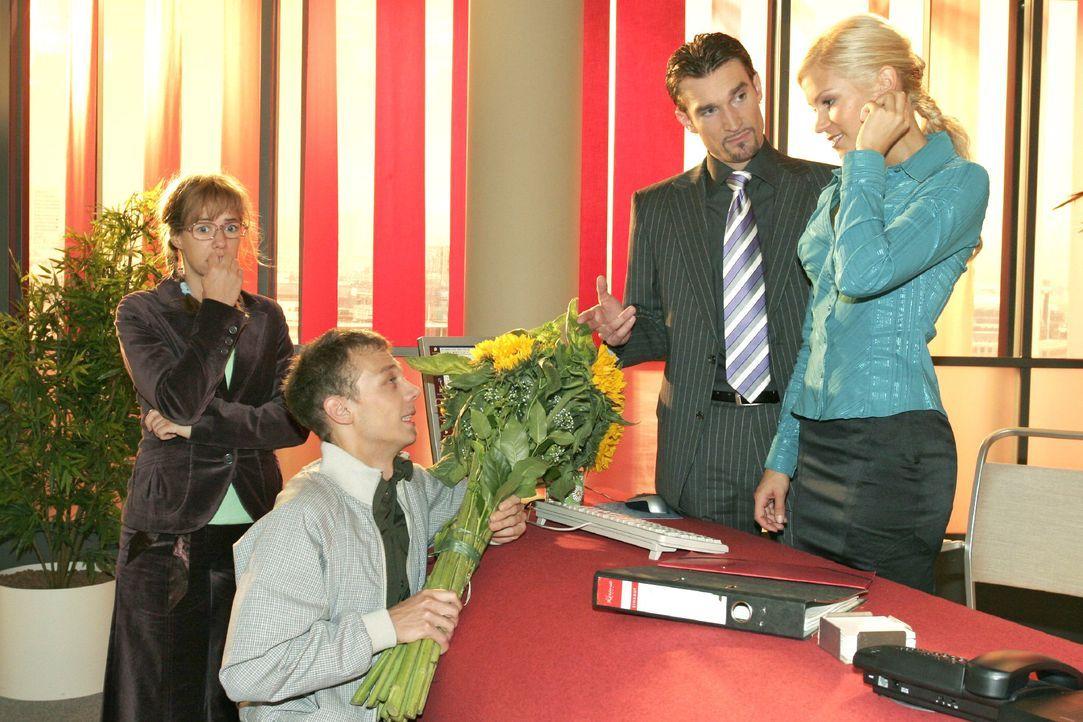 Jürgen (Oliver Bokern, 2.v.l.) gesteht Sabrina (Nina-Friederike Gnädig, r.) vor Richard (Karim Köster, 2.v.r.) und Lisa (Alexandra Neldel, l.) seine... - Bildquelle: Noreen Flynn SAT.1 / Noreen Flynn
