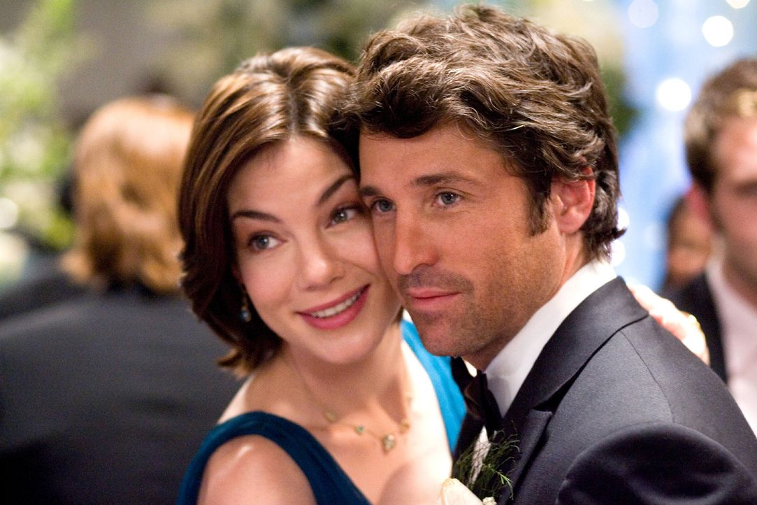 Tom (Patrick Dempsey, r.) und Hannah (Michelle Monaghan, l.) sind seit zehn Jahren die besten Freunde - sogar auf die mittlerweile sechsten Hochzeit... - Bildquelle: 2008 Columbia Pictures Industries, Inc. and Beverly Blvd LLC. All Rights Reserved.