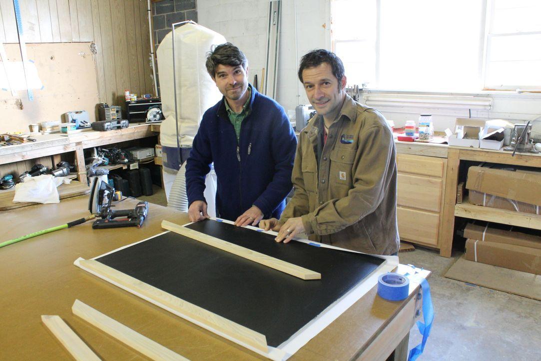 Die beiden Hausbauer Sean (l.) und Greg (r.) geben ihr Bestes, um für die Devivos das perfekte, kleine Haus zu erschaffen ... - Bildquelle: 2016, HGTV/Scripps Networks, LLC. All Rights Reserved.