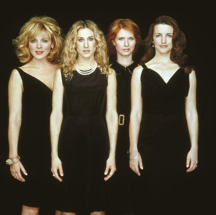 (4. Staffel) - (v.l.n.r.) Samantha (Kim Cattrall), Carrie (Sarah Jessica Parker), Miranda (Cynthia Nixon) und Charlotte (Kristin Davis) sind erfolgr... - Bildquelle: Paramount Pictures