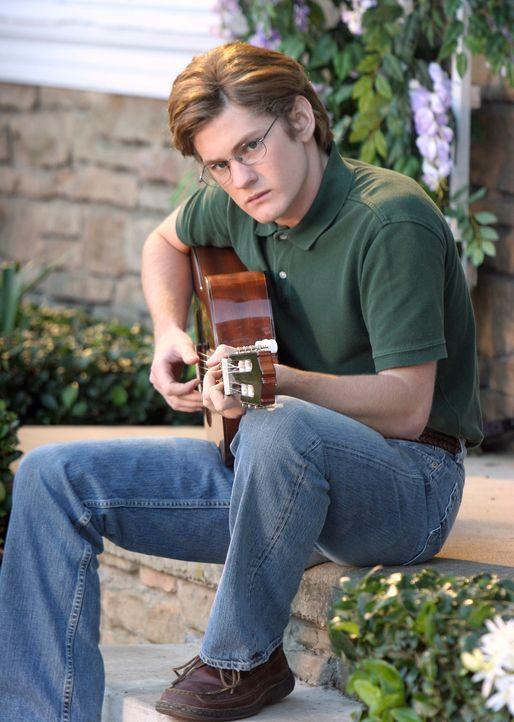 Hat eine Überraschung für Gabrielle: Zach (Cody Kasch) ... - Bildquelle: 2005 Touchstone Television  All Rights Reserved
