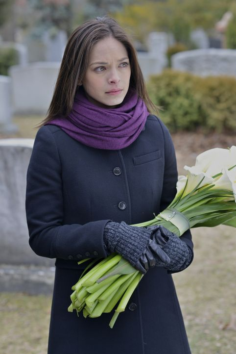 Immer wieder erfährt Catherine (Kristin Kreuk) Details aus dem Leben ihrer Mutter ... - Bildquelle: 2012 The CW Network, LLC. All rights reserved.