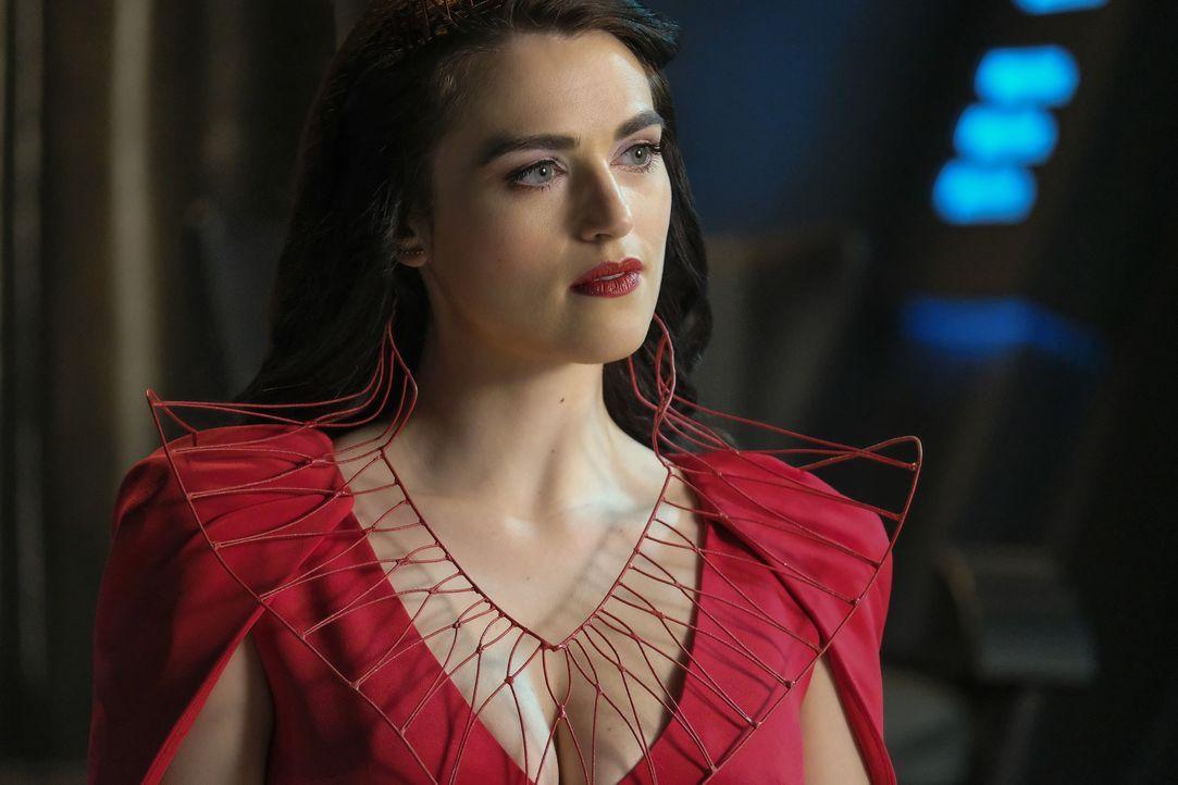 Hat damit zu kämpfen, dass Rhea sie unter Druck setzt: Lena (Katie McGrath) ... - Bildquelle: 2016 Warner Brothers
