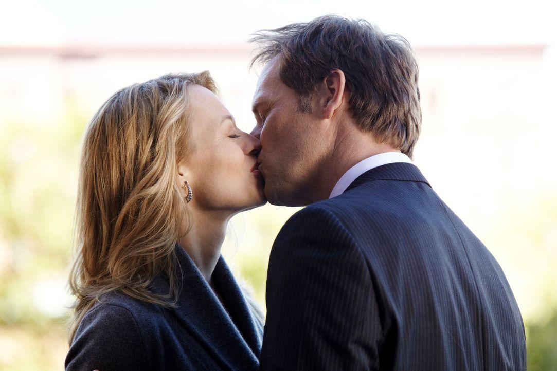 Ahnt Megan etwas davon, dass ihr Ex-Mann Todd (Jeffrey Nordling, r.) und ihre Chefin Kate Murphy (Jeri Ryan, l.) ein Verhältnis miteinander haben? - Bildquelle: ABC Studios