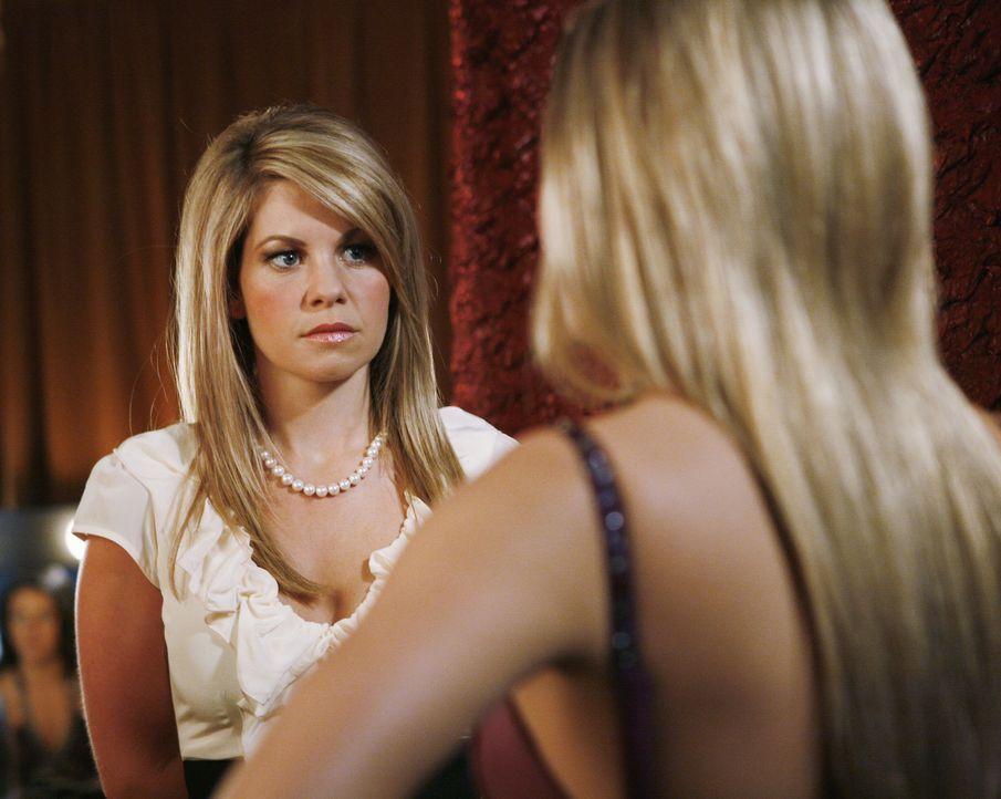 Summer (Candace Cameron Bure, l.) und Lauren (Cassie Scerbo, r.) haben eine erstmals etwas intensivere Unterhaltung, bei der es um Sex, Selbstwertge... - Bildquelle: 2009 DISNEY ENTERPRISES, INC. All rights reserved. NO ARCHIVING. NO RESALE.