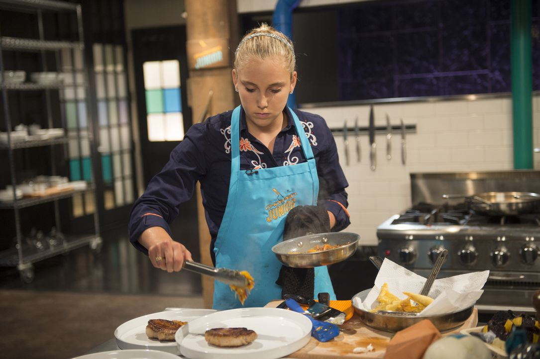 Für Elisabeth, die auf einer Ranch in Kalifornien aufgewachsen ist, gibt es nichts Wichtigeres als Essen zuzubereiten. Deswegen möchte die ehrgeizig... - Bildquelle: Scott Gries 2015, Television Food Network, G.P. All Rights Reserved
