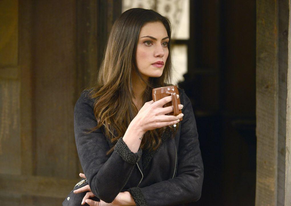 Hayley (Phoebe Tonkin) ahnt nicht, welche Familien-Kämpfe Klaus für ihre Tochter ausfechtet ... - Bildquelle: Warner Bros. Entertainment, Inc