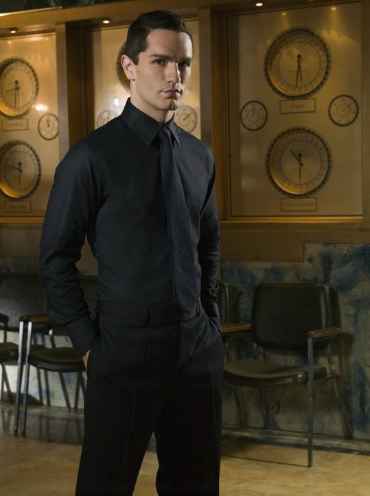 Der Sanitäter Davis (Sam Witwer) verbirgt ein grauenvolles Geheimnis ... - Bildquelle: Warner Bros.