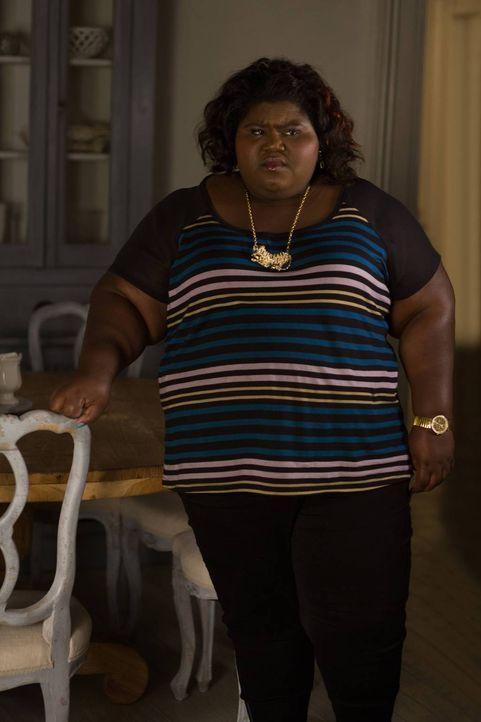 Ist es bereits zu spät, als Queenie (Gabourey Sidibe) erkennt, wessen Geist sie beschworen haben? - Bildquelle: 2013-2014 Fox and its related entities. All rights reserved.