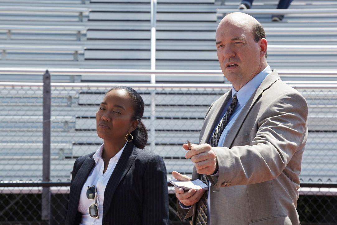 Ermitteln in einem neuen Mordfall: Samantha (Sonja Sohn, l.) und Bud (John Carroll Lynch, r.) ... - Bildquelle: ABC Studios