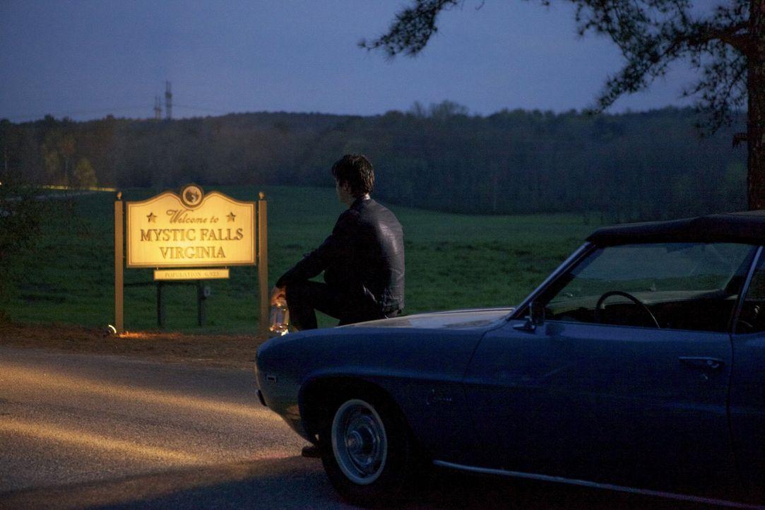 Er musste schon viele Verluste hinnehmen, doch dieses Mal scheint Damon (Ian Somerhalder) für immer von seinem alten Leben Abschied nehmen zu müssen... - Bildquelle: Warner Brothers