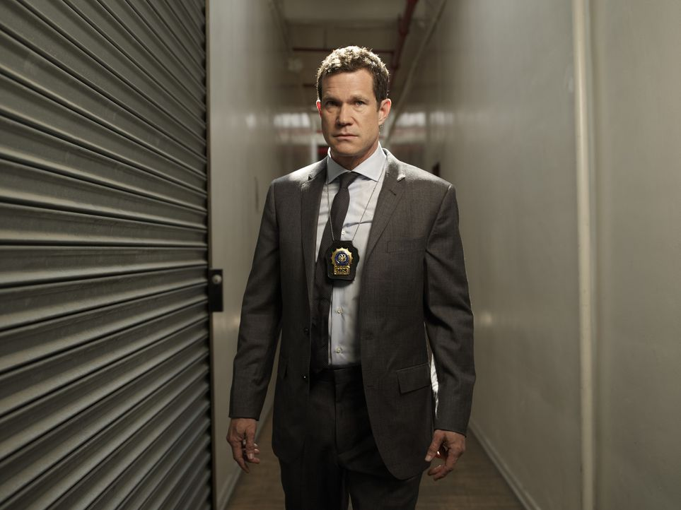 (1. Staffel) - Geht gemeinsam mit Detective Carrie Wells auf Verbrecherjagd: Detective Al Burns (Dylan Walsh) ... - Bildquelle: 2011 CBS Broadcasting Inc. All Rights Reserved.