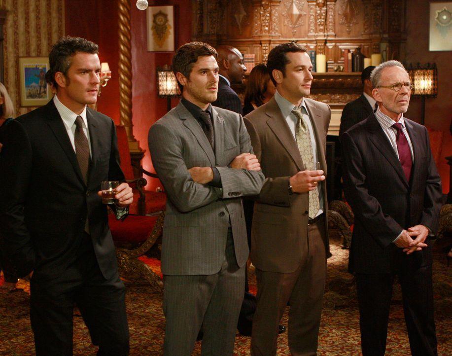 Lernen Ryan Laffertys Vater kennen: Tommy (Balthazar Getty, l.), Justin (Dave Annable, 2.v.l.), Kevin (Matthew Rhys, 2.v.r.) und Saul (Ron Rifkin, r... - Bildquelle: 2008 ABC INC.