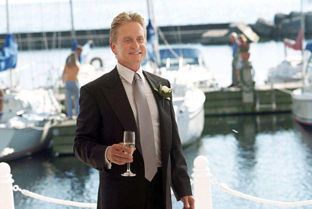 Steve Tobias (Michael Douglas) lässt nichts anbrennen. In seinem Job als Undercover Agent des CIA geht er voll auf und stets auf's Ganze ... - Bildquelle: Warner Bros.