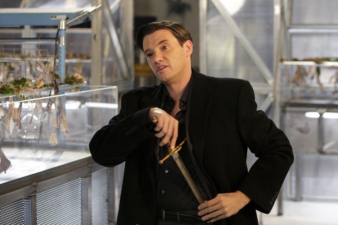 Beth muss mit einer brisanten Neuigkeit fertig werden, in die Lance (Jason Butler Harner), ein berüchtigter Vampir, verwickelt ist ... - Bildquelle: Warner Brothers