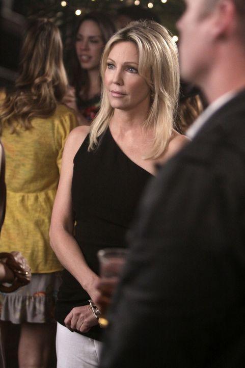 Vielleicht ist Amanda (Heather Locklear) garnicht so fies, sondern ist selbst nur Opfer einer Erpressung... - Bildquelle: 2009 The CW Network, LLC. All rights reserved.