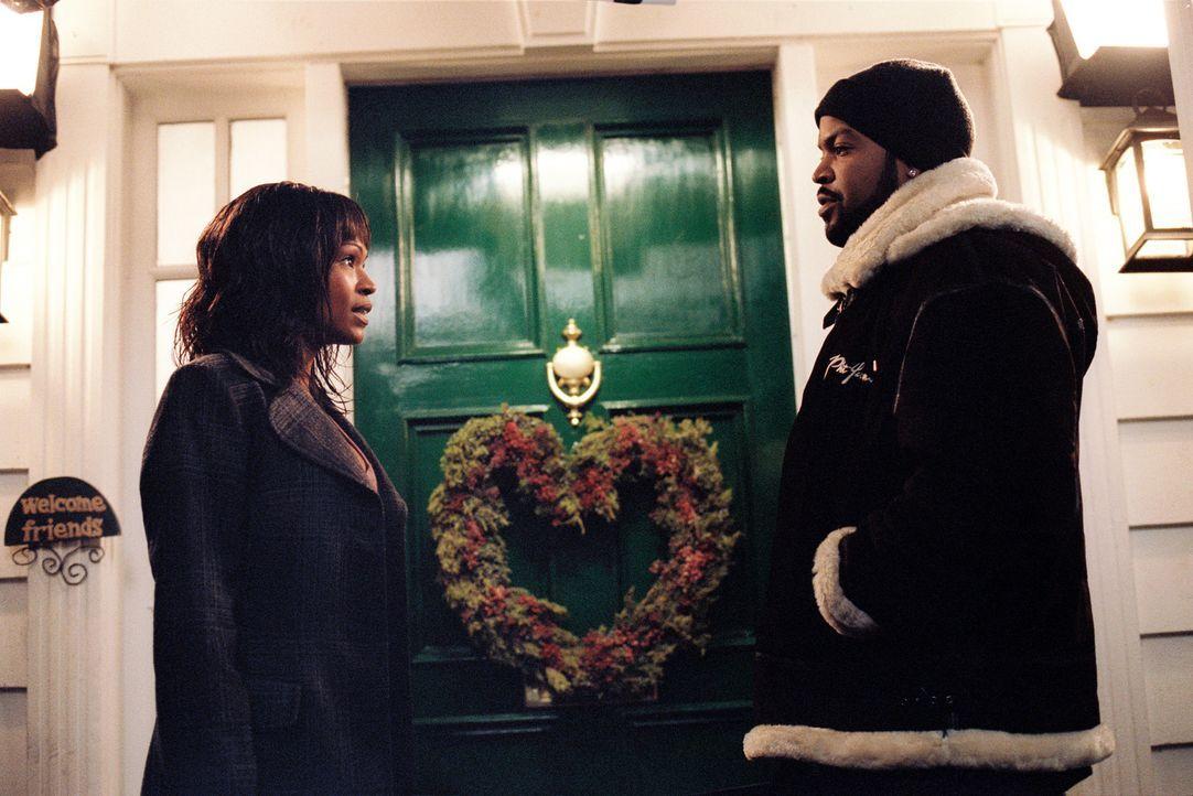 Nick Persons (Ice Cube, r.) hat sich Hals über Kopf in die bezaubernde Suzanne Kingston (Nia Long, l.) verliebt. Seine Avancen scheinen allerdings... - Bildquelle: Sony 2007 CPT Holdings, Inc.  All Rights Reserved.
