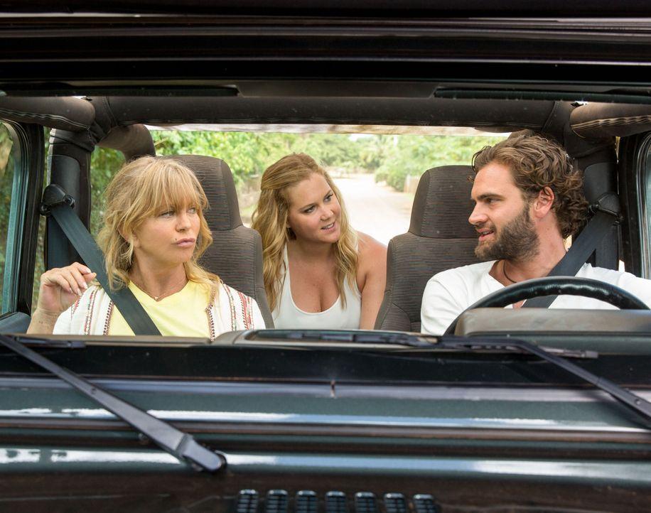 (v.l.n.r.) Linda Middleton (Goldie Hawn); Emily Middleton (Amy Schumer); James (Tom Bateman) - Bildquelle: Justina Mintz 2017 Twentieth Century Fox Film Corporation. All rights reserved. / Justina Mintz