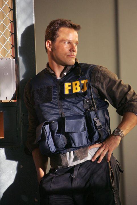 Gemeinsam mit Don versucht Colby (Dylan Bruno) einen neuen Fall zu lösen ... - Bildquelle: Paramount Network Television