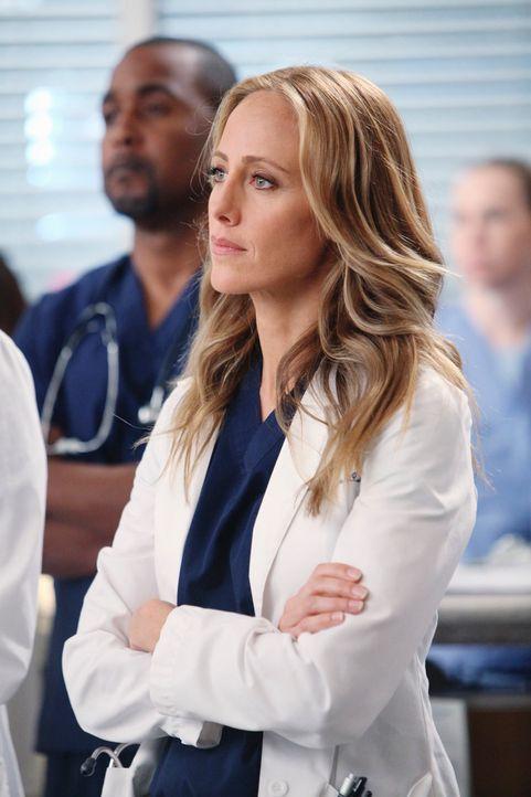 Verweigert Cristina die Teilnahme an Operationen: Dr. Altman (Kim Raver) ... - Bildquelle: Touchstone Television