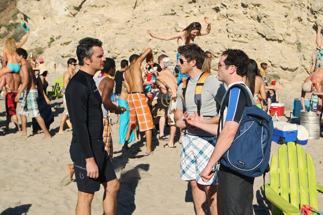 Erkennen ihren Urlaubsort Baja nicht mehr wieder: Kevin (Matthew Rhys, r.), Justin (Dave Annable, M.) und Tommy (Balthazar Getty, l.) beim Spring Br... - Bildquelle: 2008 ABC INC.