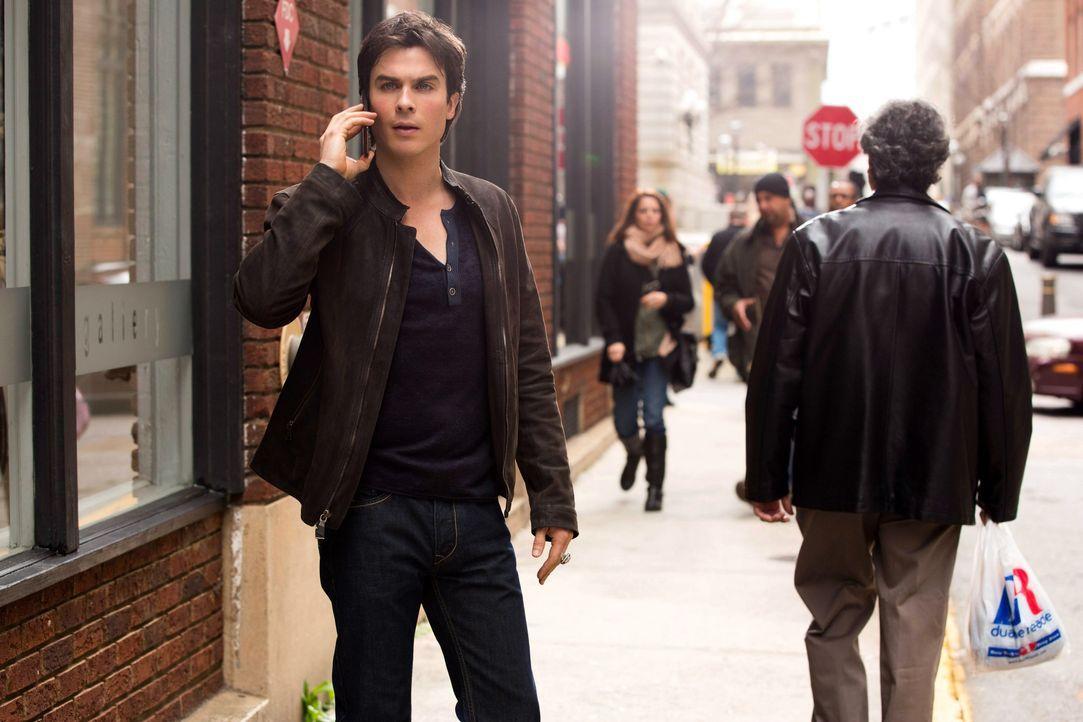 Damon am telefonieren  - Bildquelle: Warner Bros. Entertainment Inc.