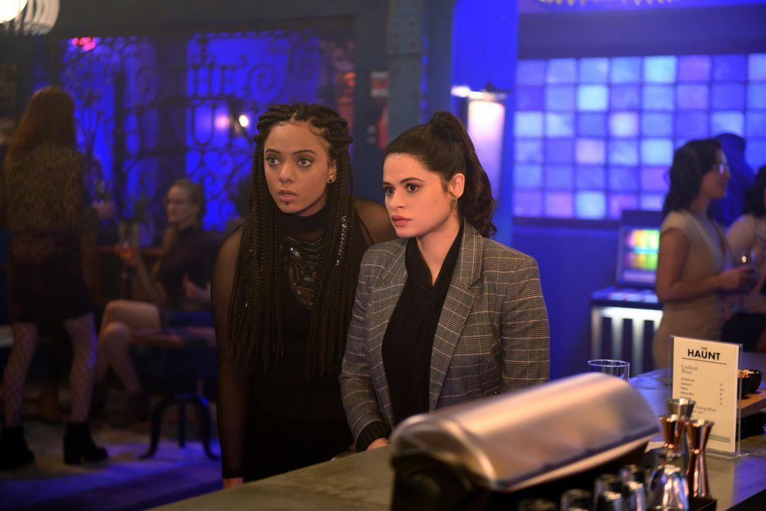 Jada (Aleyse Shannon, l.); Mel Vera (Melonie Diaz, r.) - Bildquelle: Diyah Pera 2019 The CW Network, LLC. All Rights reserved.