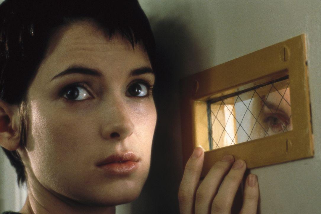 Allmählich wird Susanna (Winona Ryder) klar, dass sie wieder frei sein möchte ... - Bildquelle: Columbia Pictures