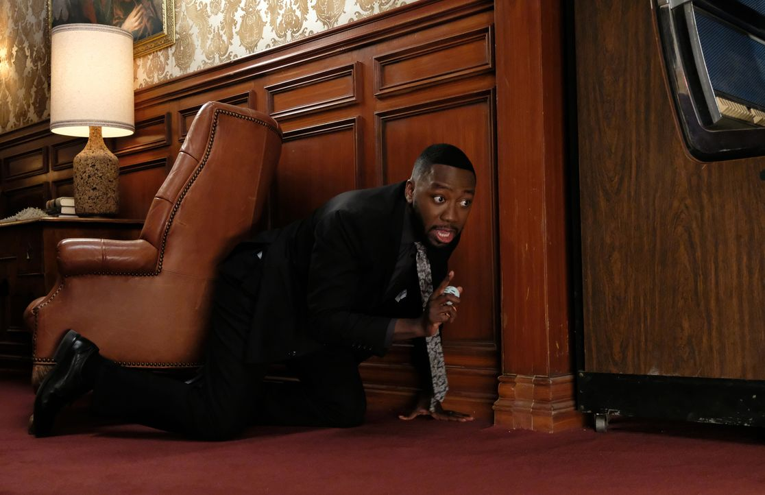 Wird Winston (Lamorne Morris) an der Trauerfeier einen mentalen Zusammenbruch erleben? - Bildquelle: Ray Mickshaw 2018 Fox and its related entities.  All rights reserved.
