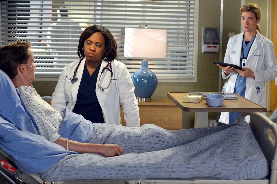 Eine Meinungsverschiedenheit über die Behandlung eines Patienten (Bryce Lee Townsend, l.) führt zum Streit zwischen Miranda Bailey (Chandra Wilson,... - Bildquelle: ABC Studios