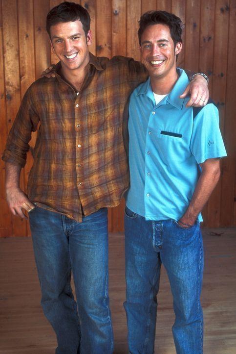 (2. Staffel) - Langjährige Freundschaft: Ed Stevens (Tom Cavanagh, r.) und sein bester Freund Mike Burton (Josh Randall, l.) ... - Bildquelle: TM &   Paramount