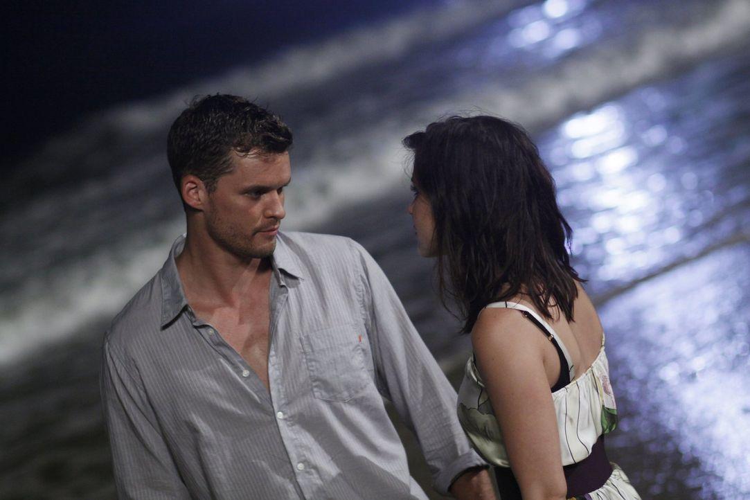 Noch ahnen Julian (Austin Nichols, l.) und Brooke (Sophia Bush, r.) nicht, was Brookes Mutter schon wieder vor hat ... - Bildquelle: Warner Bros. Pictures