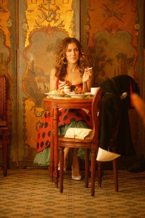 Als Aleksandr Carrie (Sarah Jessica Parker) auf einer Veranstaltung erneut nach kurzer Zeit alleine stehen lässt, wird ihr klar, dass sie dies nicht... - Bildquelle: Paramount Pictures