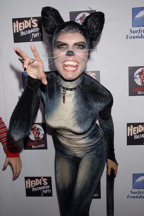 Heidi Klum: Halloween als schwarze Katze - Bildquelle: AFP