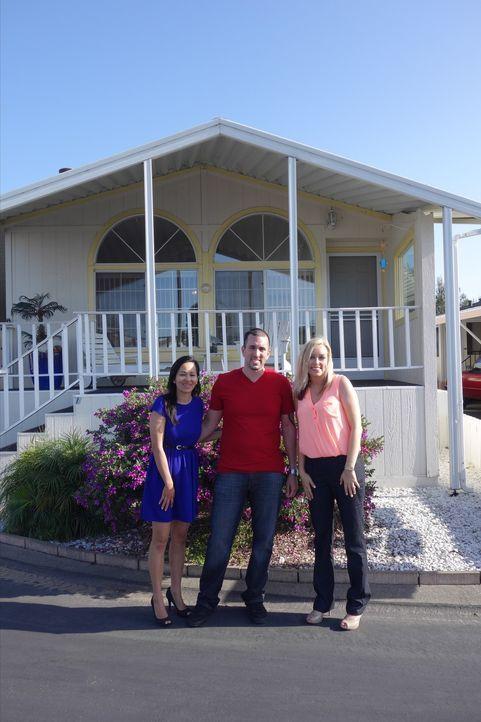 Hun (l.) und Anthony (M.) suchen in Pismo Beach ein Haus am Strand, mit viel Platz und für kleines Geld. Findet Immobilienmaklerin Mikey Hahn (r.) d... - Bildquelle: 2014, HGTV/Scripps Networks, LLC. All Rights Reserved.
