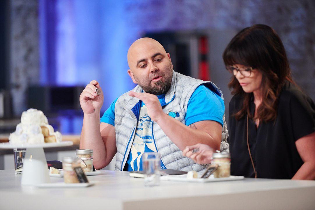 """Duff Goldman (l.) und Valerie Bertinelli (r.) müssen diesmal entscheiden, wer den Titel """"Kids Baking Champion"""" wirklich verdient - keine leichte Ent... - Bildquelle: Eddy Chen 2014, Television Food Network, G.P. All Rights Reserved"""