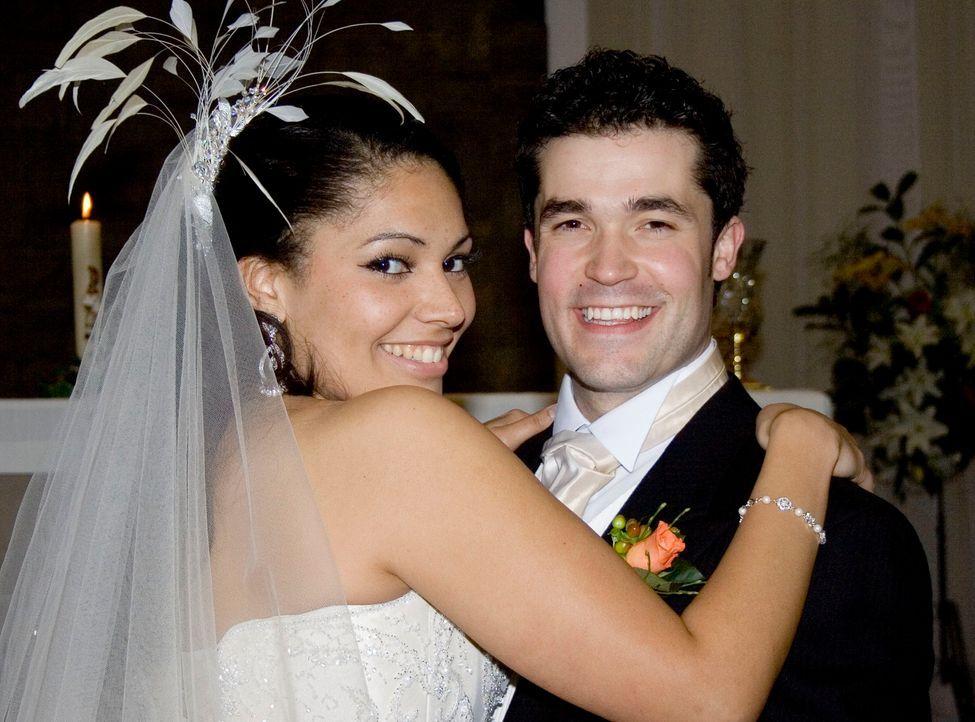 Nick und Laila sind wahnsinnig ineinander verliebt. Für die Krönung ihrer Liebe fehlte bis jetzt jedoch das nötige Kleingeld. So einigten sie sich a... - Bildquelle: Renegade Pictures Ltd