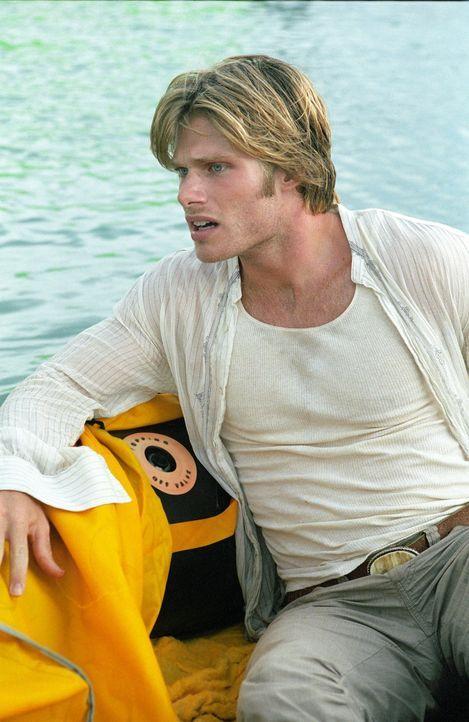 Wird Jason Masters (Chris Carmack) es bald bereuen, dass er sich zu einem Bootausflug hat überreden lassen? - Bildquelle: Media 8 Entertainment