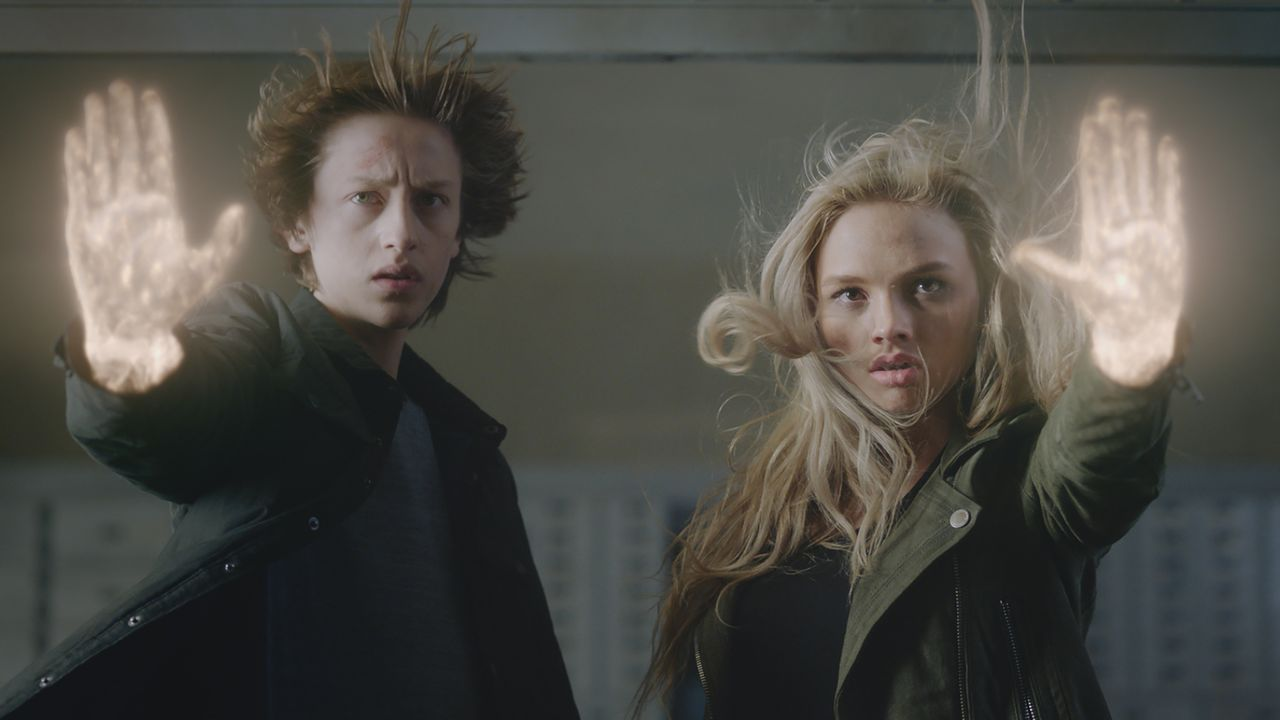 Andy (Percy Hynes White, l.); Lauren (Natalie Alyn Lind, r.) - Bildquelle: 2017 Fox Broadcasting