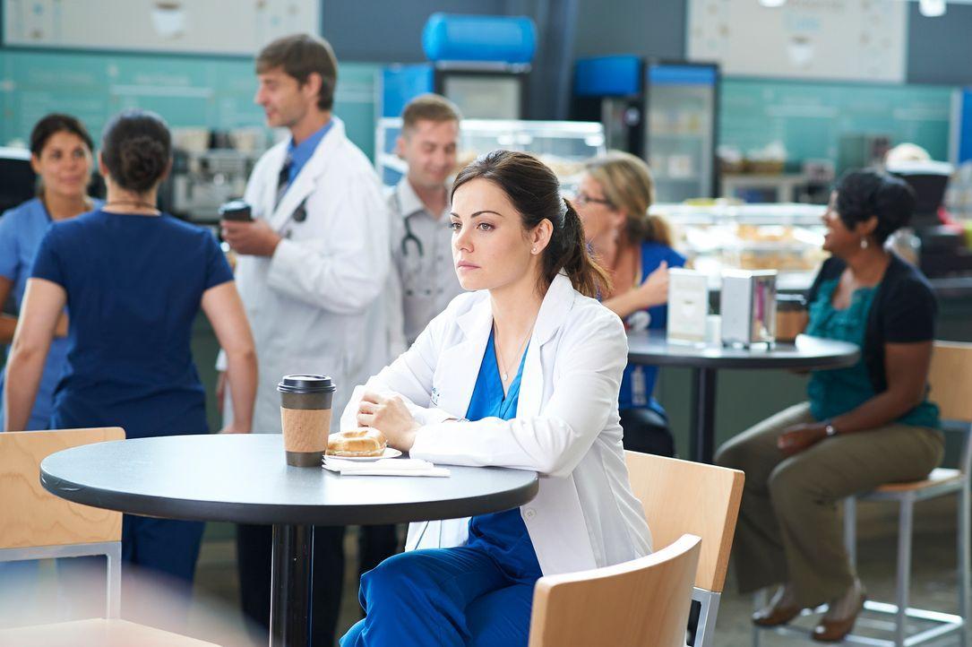 Ein Bild-Date soll Alex (Erica Durance) endlich aus ihrer Trübsalsphase holen ... - Bildquelle: 2012  Hope Zee One Inc.