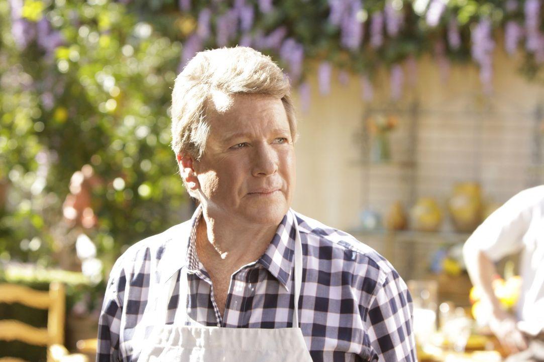 Wenn es nach Spence (Ryan O'Neal) geht, sollte Teddy Silver verlassen und sich um seine Karriere kümmern,... - Bildquelle: TM &   CBS Studios Inc. All Rights Reserved