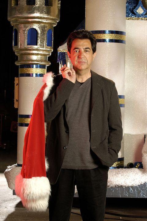 Erkennt erst spät, dass seine Familie nur durch Liebe zu erhalten ist: Frank Griffin (Joe Mantegna) ... - Bildquelle: TM &   2009 CBS Studios Inc. All Rights Reserved.