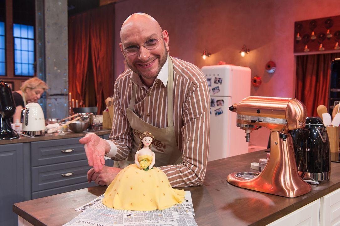 """Bekommt die Chance, """"Deutschlands bester prominenter Hobbybäcker"""" zu werden: Ralph Morgenstern ... - Bildquelle: Claudius Pflug SAT.1"""